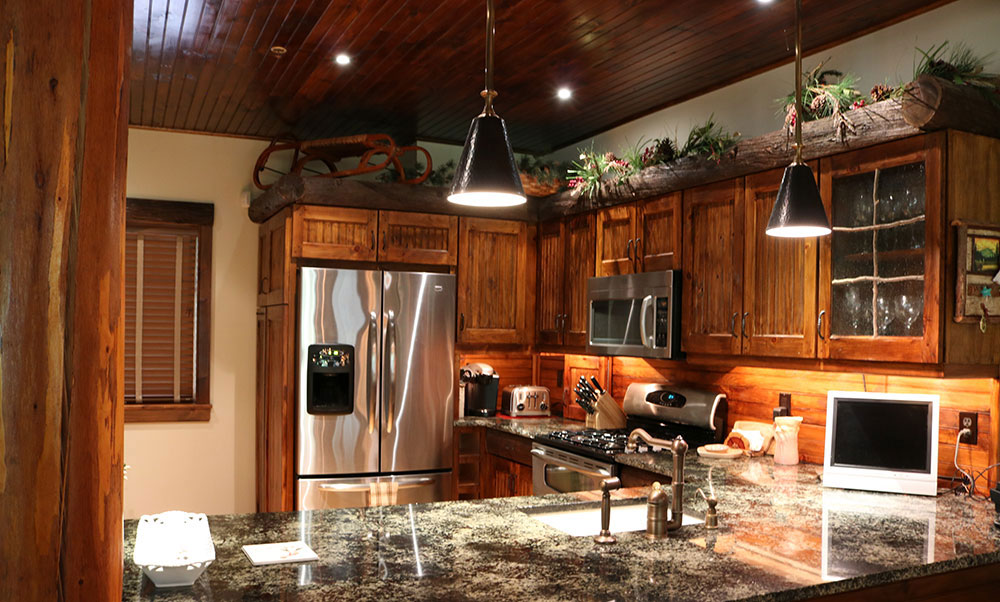 Rustic kitchen in Ski Bowl Village